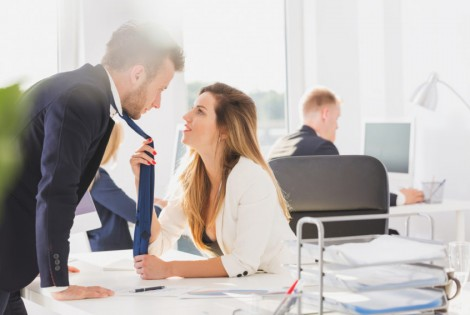 Workplace Romance On the Decline, says Study