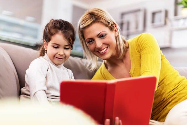 Parents' Book Reading Has Many Benefits For Kids