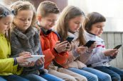 Teens From Low Income Families Spend More Time On Smartphones