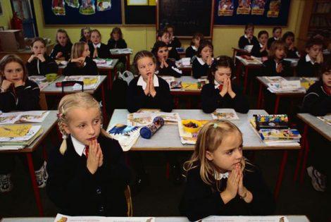 Ireland SHUTS Schools & colleges to Halt Covid-19 Spread