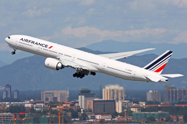 Now Air France Cutting Huge jobs Over Corona